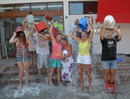 Mass Ice Bucket Challenge