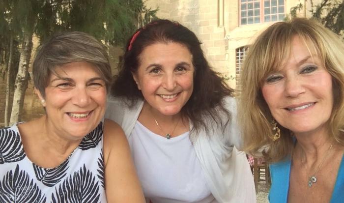 cyprus girl friendship