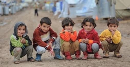 refugee-children-smiling