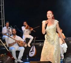 Candan Erçetin and Kardeş Türküler concert (7)