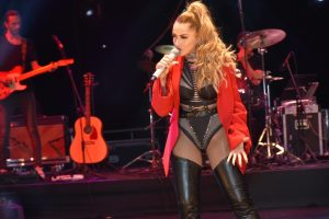 Hadise shook Girne (3)