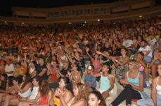 Hadise shook Girne (8)