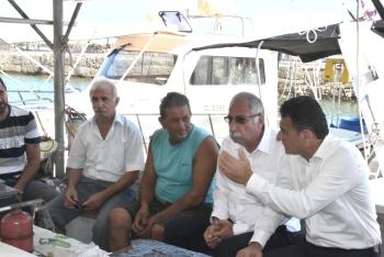 Fishing shelters (1)