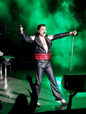 Patrick Myers as Freddie Mercury 2