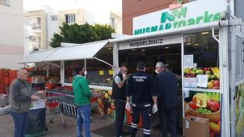 Girne Mayor Güngördü and Municipality Police Teams checked Markets (8)