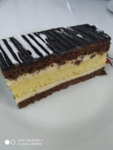 Vickys Kitchen cakes (5)