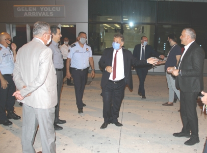 TRNC Ministers inspect Ercan COVID-19 security measures (7)