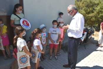 Girne Municipality Children's Council Visited the Animal Shelter (2)