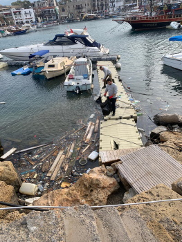 Girne Municipality cleaned the sea in the Old Harbour sml 1