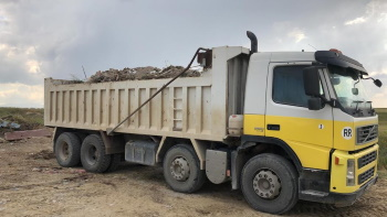 10 Truck loads of waste cleared (3)