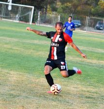 EMEK KIRILMAZ about to score Esentepe first goal.