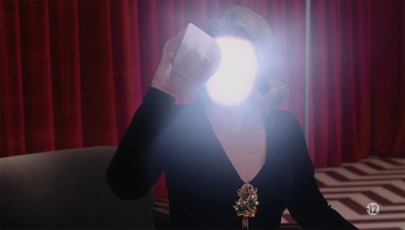 """Résultat de recherche d'images pour """"twin peaks saison 3 laura palmer"""""""