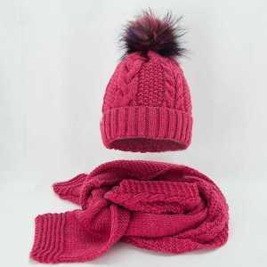 damski-zimowy-komplet-czapka-z-szalikiem-koralowy