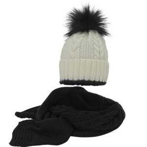 kompet-w-warkocze-czapka-z-pomponem-szalik-amaltea