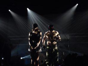 Show při písni Tělo