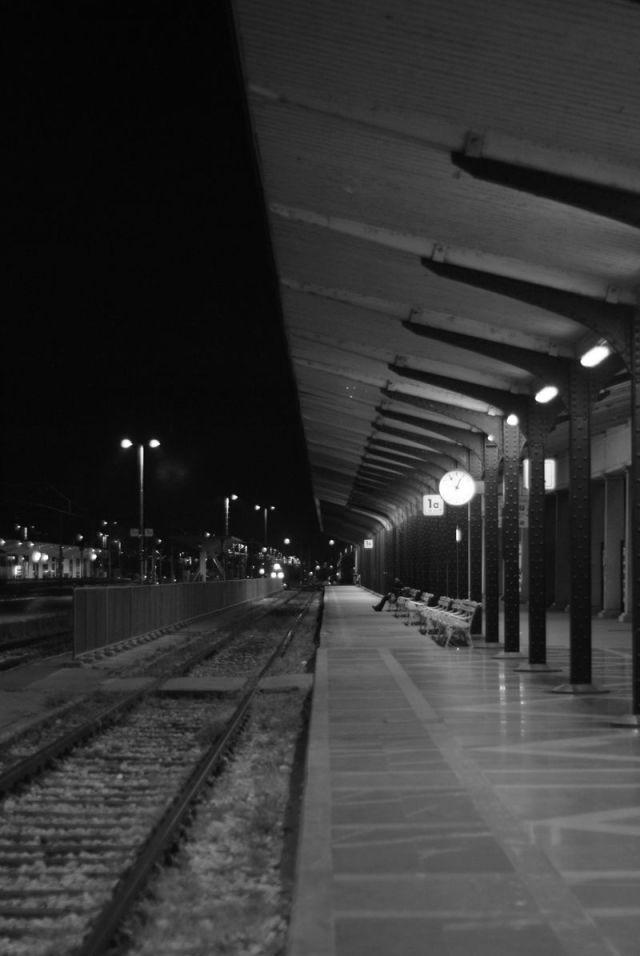 dworzec noca