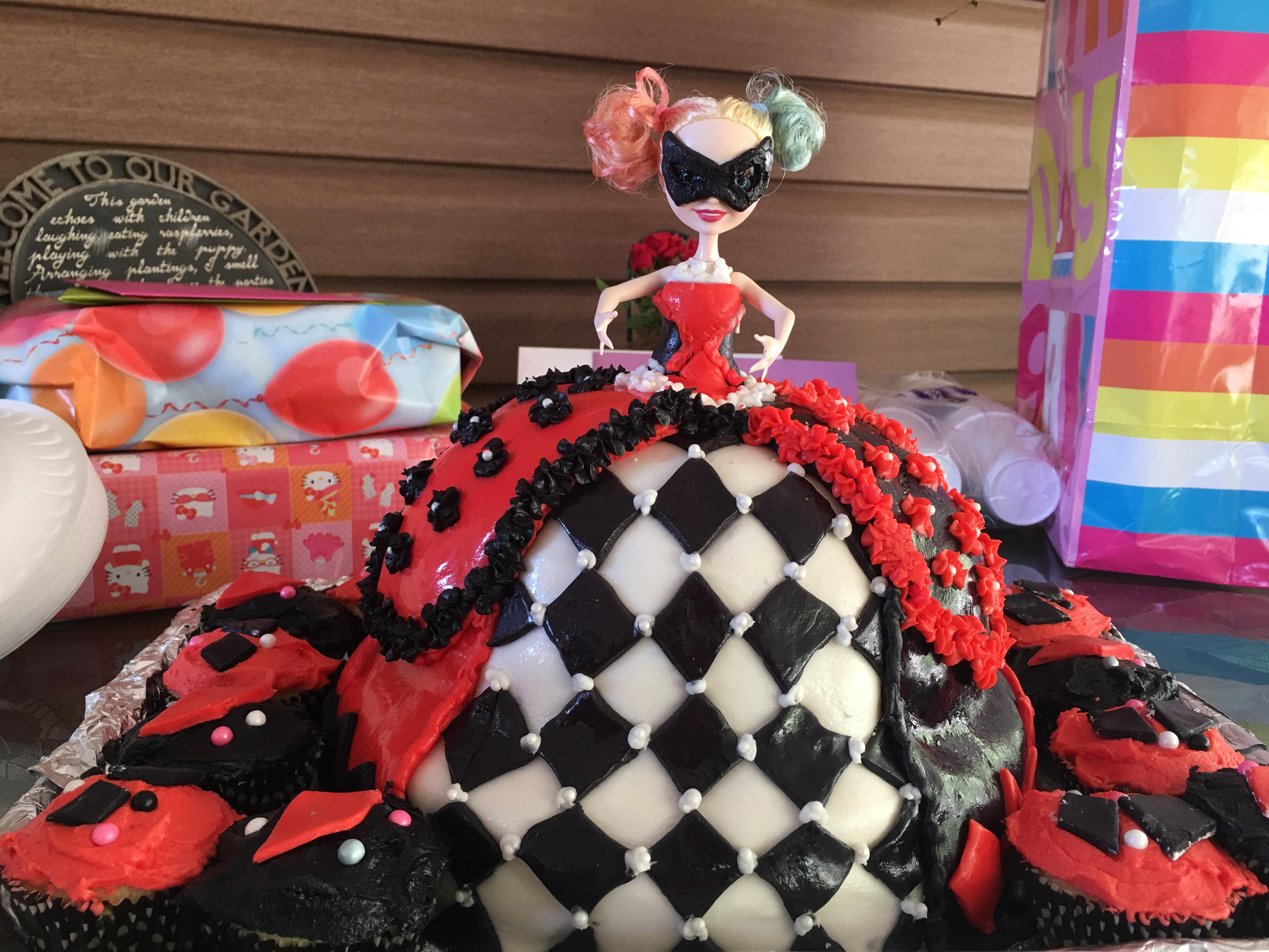 Harley Quinn Birthday Cake Doll Cake D Rezzed Pop