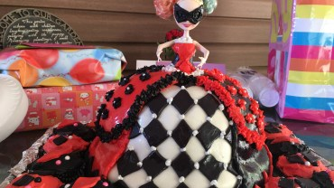 Harley Quinn Birthday Doll Cake 5