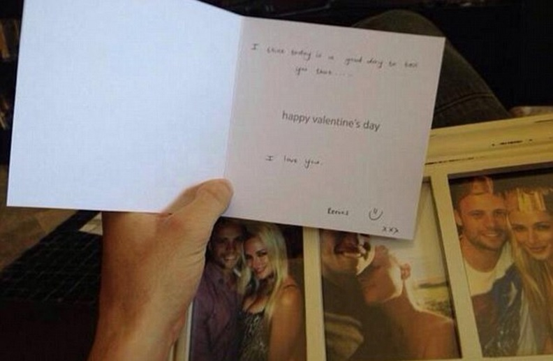 Oscar Pistorius Weeps Reading Valentines Day Message From