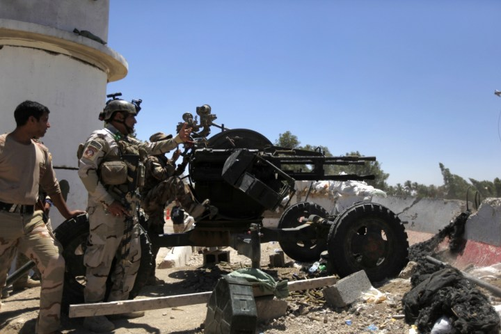 Iraq Isis Crisis Sunni Islamists Attack Camp Anaconda