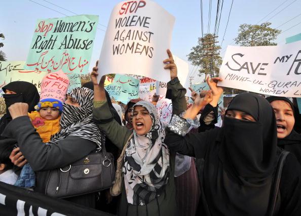 http://d.ibtimes.co.uk/en/full/1411508/pakistan-honour-killing.jpg?w=536