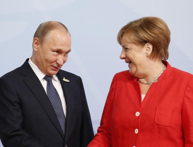 Angela Merkel and Vladimir Putin
