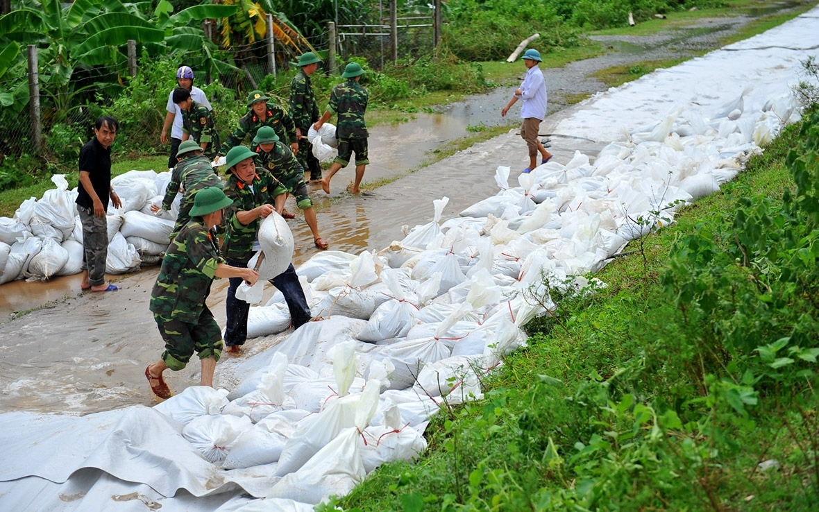 Vietnam floods  At least 54 killed in Vietnam by landslides and 'worst floods in years' vietnam floods