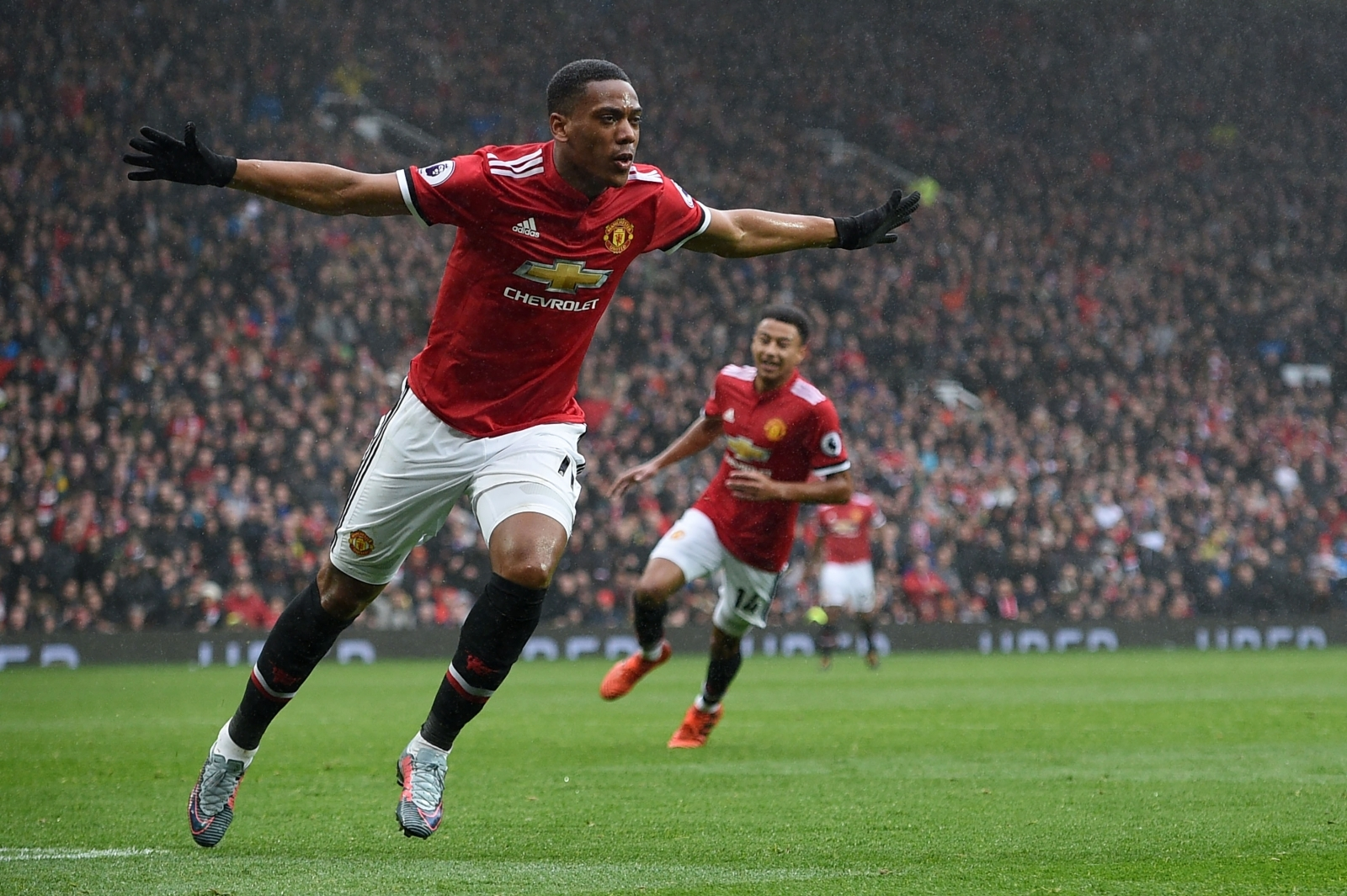 Manchester United Substitute Anthony Martial Strikes Late