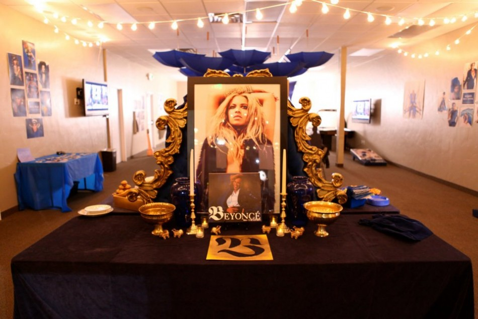 Beyonce Fans Throw Baby Shower For Blue Ivy Carter PHOTOS