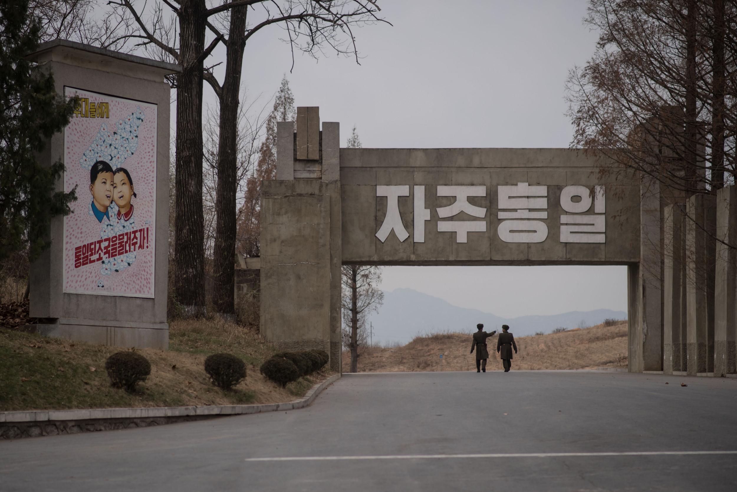 Border And Korea Between Russia North