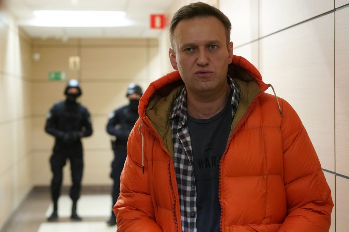 Alexei Navalny 'Poisoning' Video Shows Anti-Putin Activist Crying ...
