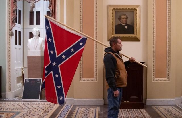 capitol riot confederate flag