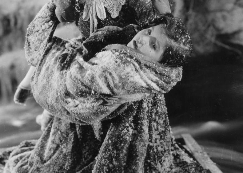 1927: Lassie Lou Ahern