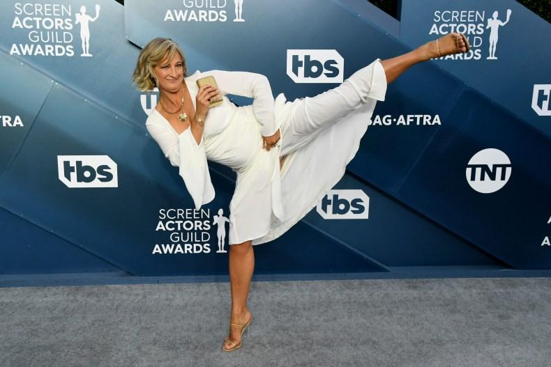 Zoe Bell performs kick at SAG Awards