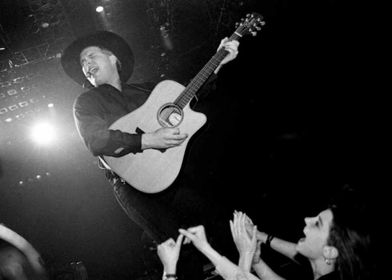 1989: Garth Brooks releases 'If Tomorrow Never Comes'