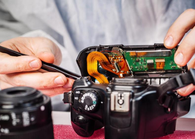 #35. Camera and Photographic Equipment Repairers