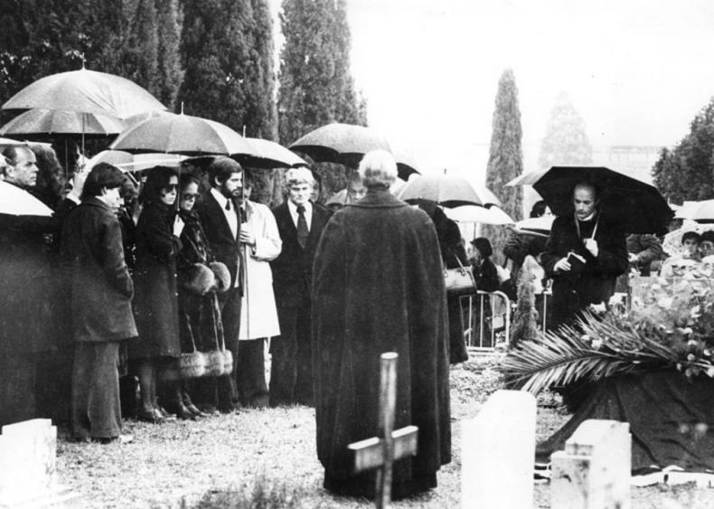 1977: Death in Switzerland