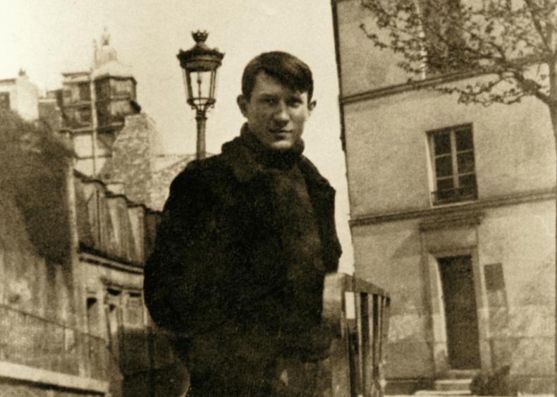 1904: Meeting a companion in Paris