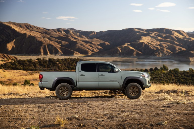 2022 Toyota Tacoma Trail Edition profile side