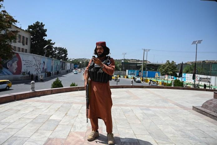 https://i2.wp.com/d.newsweek.com/en/full/1871816/taliban-takes-bagram-air-base.jpg?resize=696%2C464&ssl=1