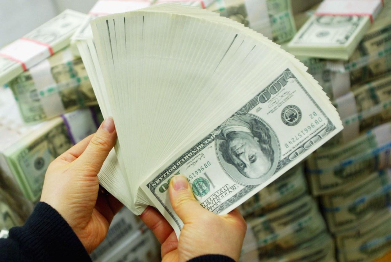 cash money u.s. dollars $100 bills