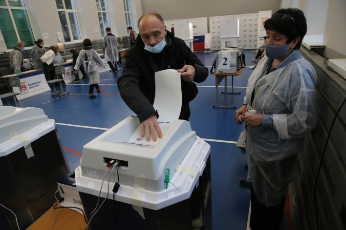 Russian election voter