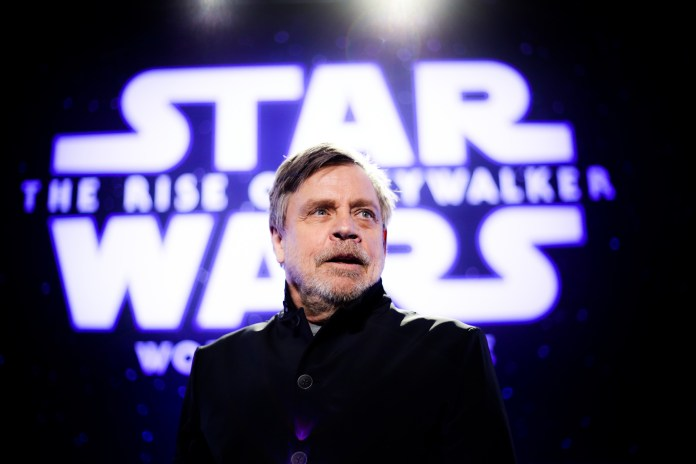 mark hamill at star wars premiere