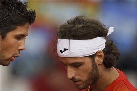 Spain's Fernando Verdasco, Left, Talks