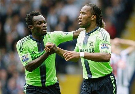 Chelsea's Didier Drogba, Right, Celebrates