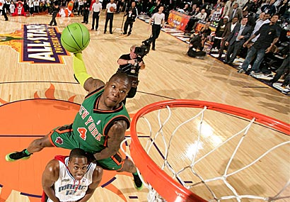 Nate Robinson beat Dwight Howard in the final round.