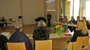 2015-03 Piirikokous Nastolassa. Nastolan Rotaryklubin tervehdyksen kokoukseen toi presidentti Olavi Virtanen.