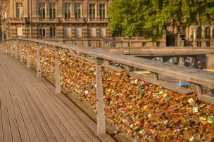 Passerelle Léopold-Sédar-Senghor love locks