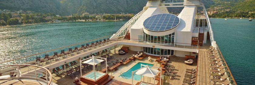 Afbeeldingsresultaat voor Seabourn Odyssey pool deck