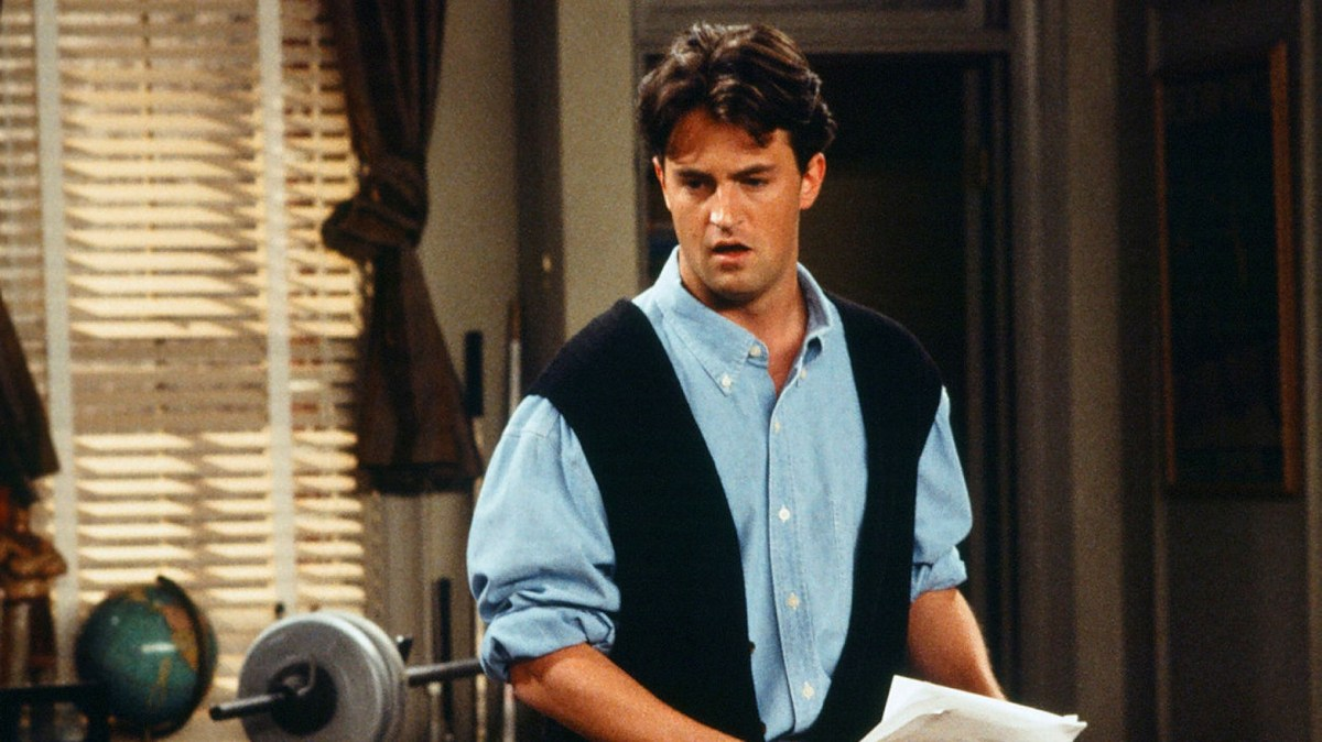 Decorative image of chandler  from friends demonstrating 90's fashion